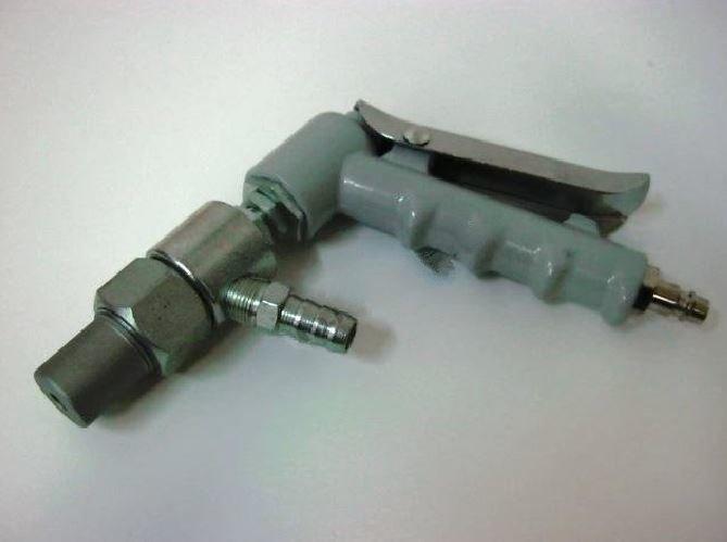 Pískovací pistole s keramickou tryskou