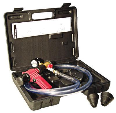 Přístroj pro plnění a odvzdušňování chladicích systémů motorů