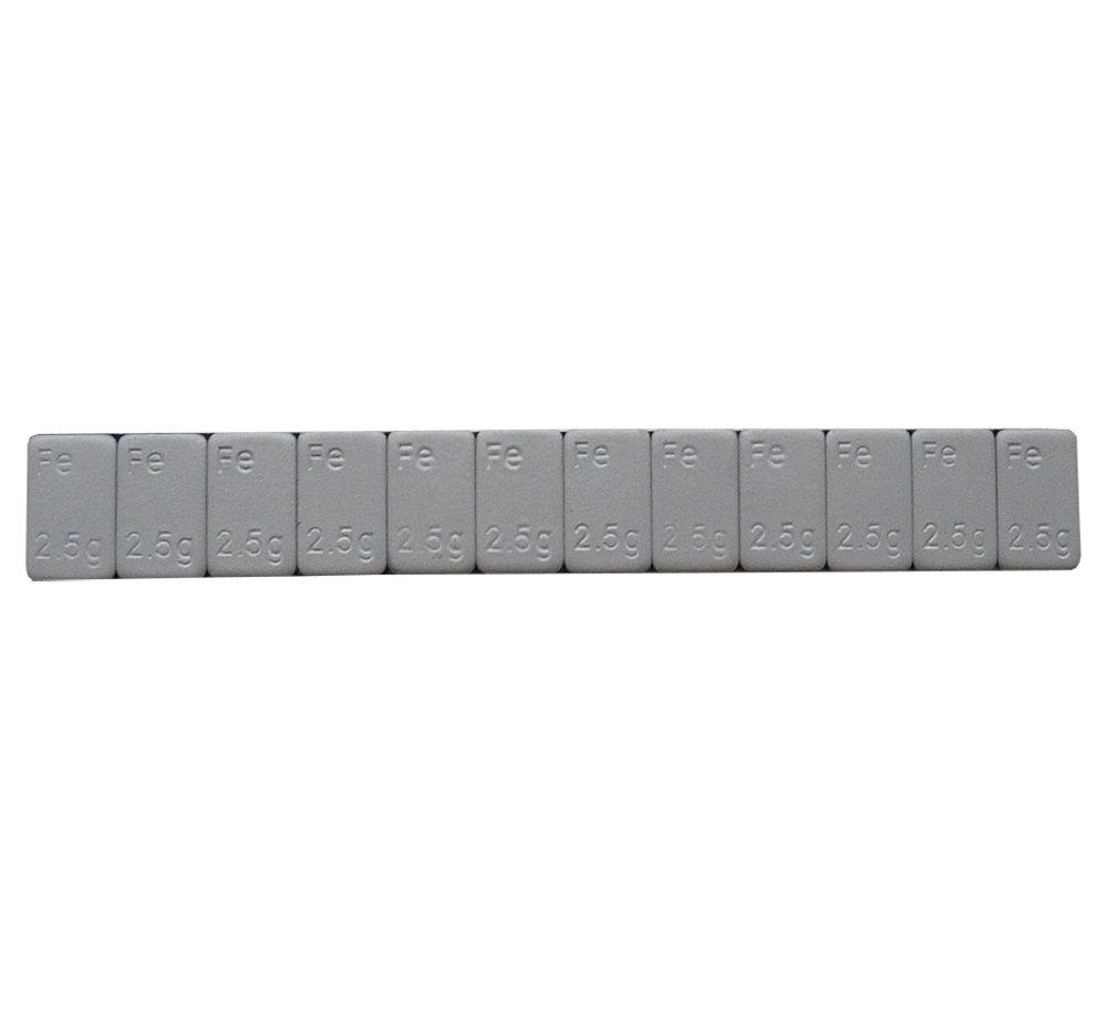 Samolepící závaží nízké 12x2,5g, pásek 30g, Fe, šedý lak - 1 kus