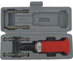 Úderový / rázový šroubovák na povolení šroubů- s adaptérem
