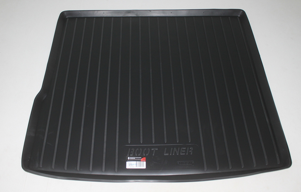 Vana do kufru plastová Nissan Terrano II Facelift 4WD (14-) SIXTOL