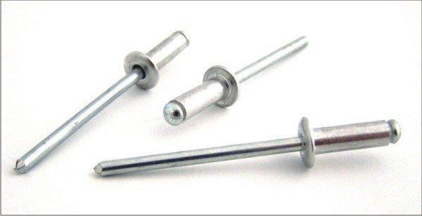 Trhací nýty hliník/ocel 6,4 x 10 mm s plochou hlavou- 50 ks