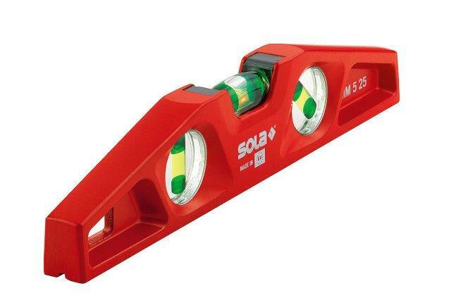 Vodováha 25 cm, extra robustní, s magnetem a drážkou pro trubky - SOLA